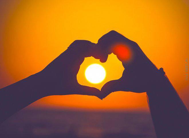 Любовь без банальностей  или что не стоит дарить на 14 февраля